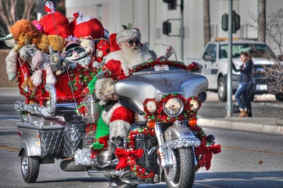 Santa Rides a Hog