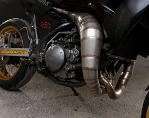 Yamaha TDR250 cross-over expansion chambers