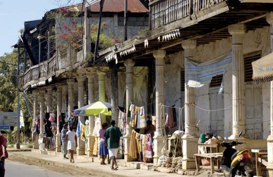 Hellville Nosy Bé Touring Madagascar