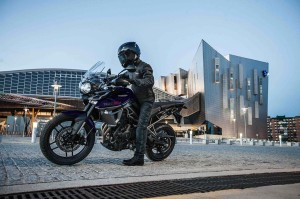2015-Triumph Tiger 800 XRx in the city