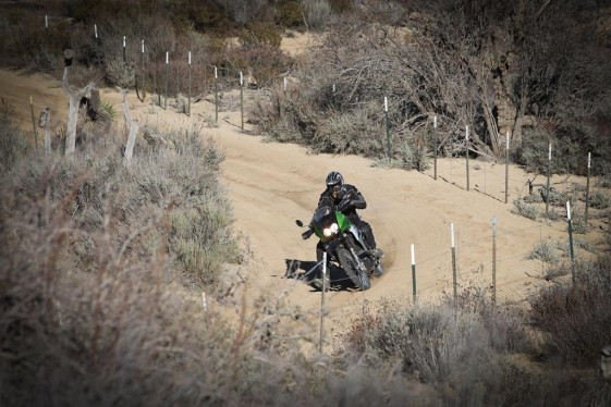 klr 650 manuevering through turns