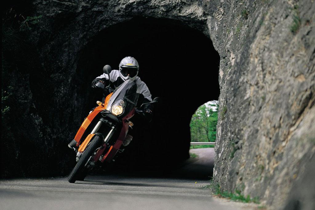 best used adventure bikes guide: ktm 950 / 990 adventure - adv pulse