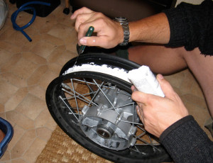 Sealing rims tubeless tires