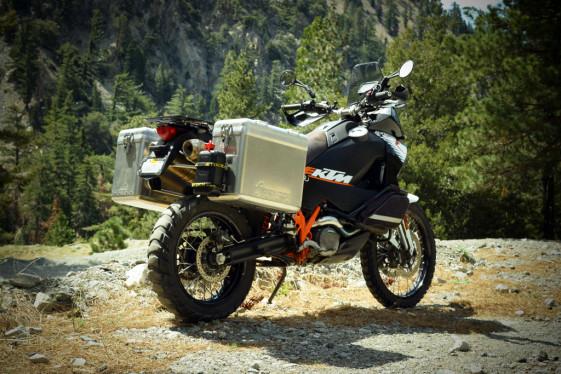 hard panniers motorcycle