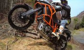 chris birch riding the ktm 1190 adventure r