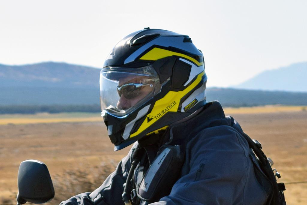 fa1c413ceb best-adventure-helmet-riding-with-glasses - ADV Pulse