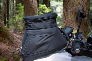 Tank bag expandable top.