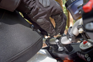 Pull string for the KTM quick release tank bag