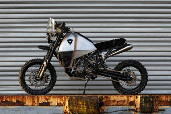 REV'IT #95 Double Dare You project bike.