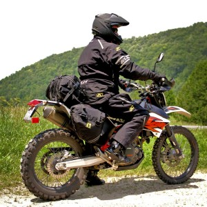 Wolfman Enduro Ultralight top bag and saddlebags