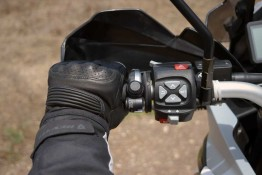 sena handlebar remote small hands