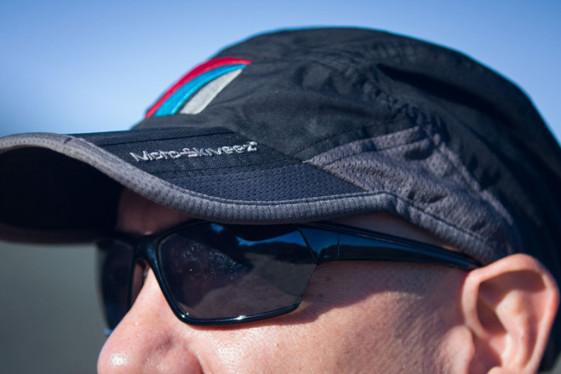 moto-skiveez tri-fold hat closeup