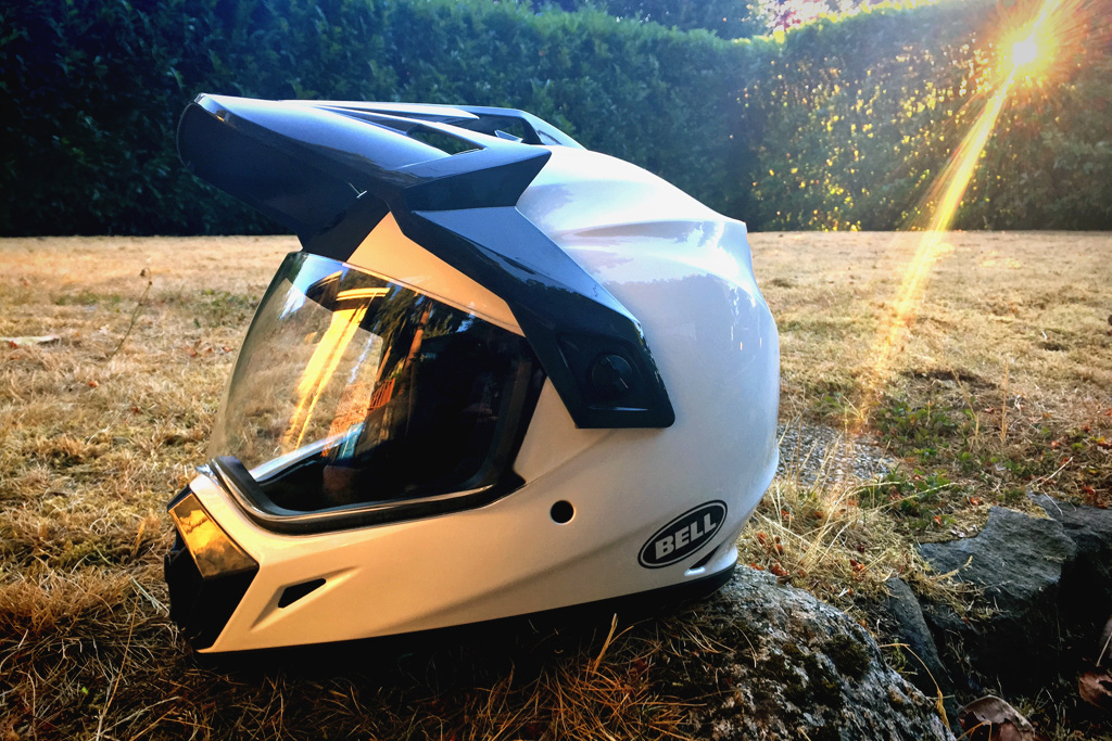 aae65d93 Bell has been a pioneer in the motorcycle industry since they introduced  the first full-face motorcycle helmet back in 1966. The MX-9 Adventure is  the ...