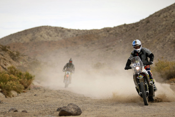 riding the 2015 ktm 450 rally factory replica
