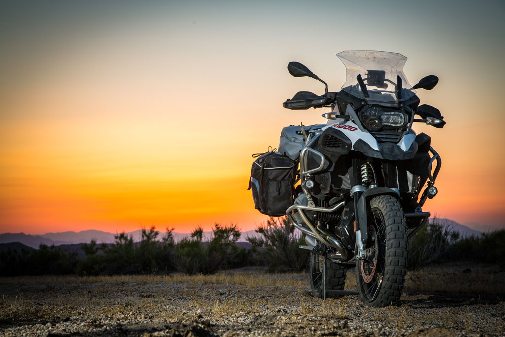 bmw r1200gs vs r1200gsa