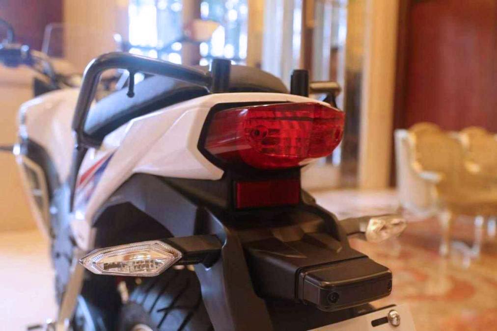 Honda CBF190X Fight Hawk