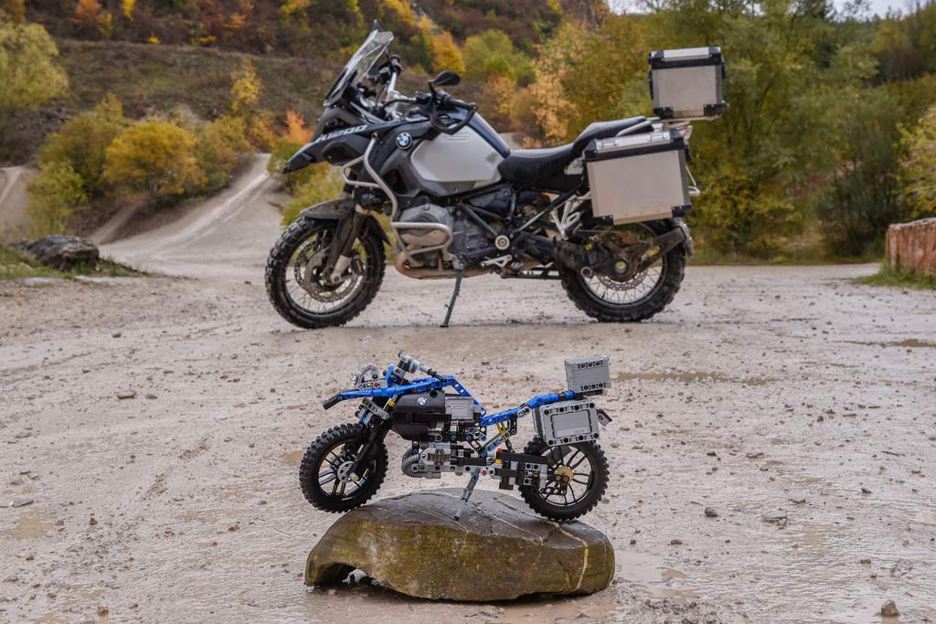 get a new gs for a lot less bmw r1200gs adventure by lego adv pulse. Black Bedroom Furniture Sets. Home Design Ideas