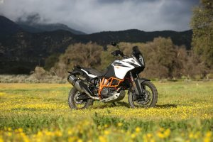 KTM 1090 Adventure R Test - Sitting in a field.