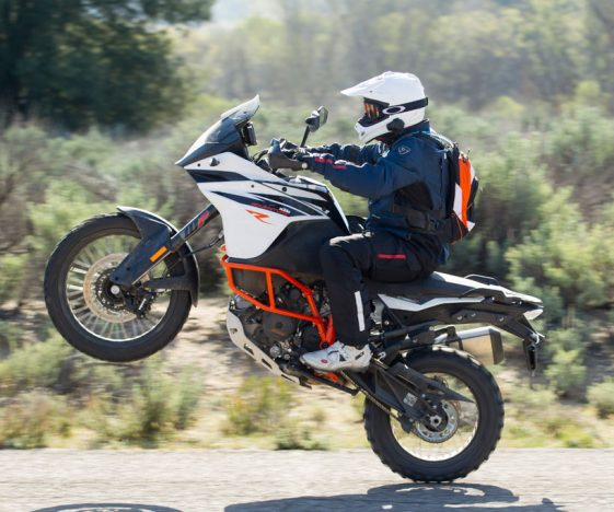 KTM 1090 Adventure R Test - Wheelie
