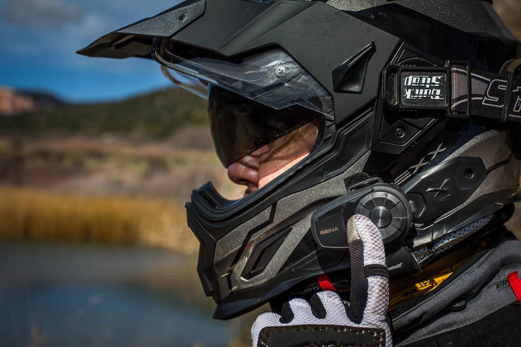 d0778a6f6f1 After several years of being one of the frontrunners in motorcycle  Bluetooth headset communication, Sena's SMH10 system was getting a little  long in the ...