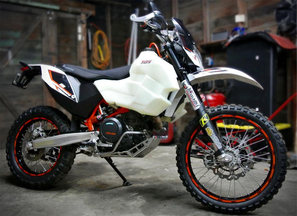 safari tanks double the fuel range of your ktm 690 enduro. Black Bedroom Furniture Sets. Home Design Ideas