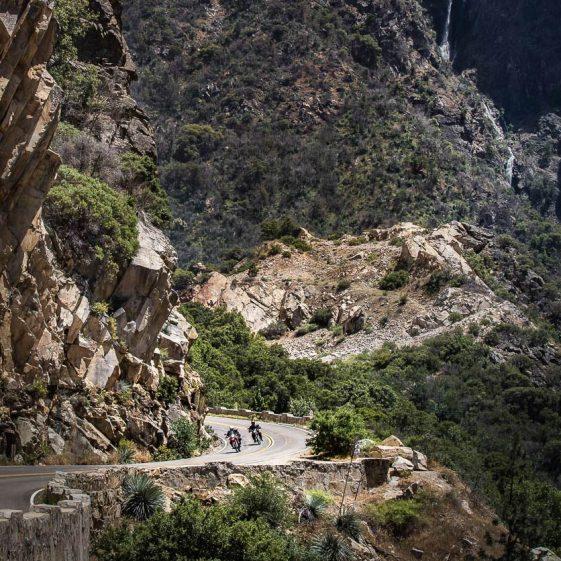Riding Horseshoe Bend in Kings Canyon