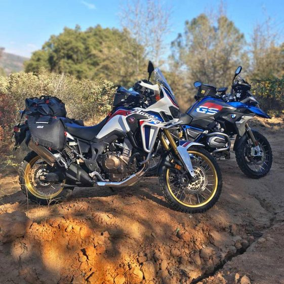 BMW R1200GS Rallye and Honda Africa Twin CRF1000L