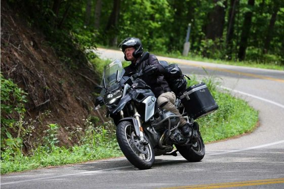 Biaya untuk bepergian ke dunia: Brian Thiessen BMW R1200GS Adventure Motorcycle