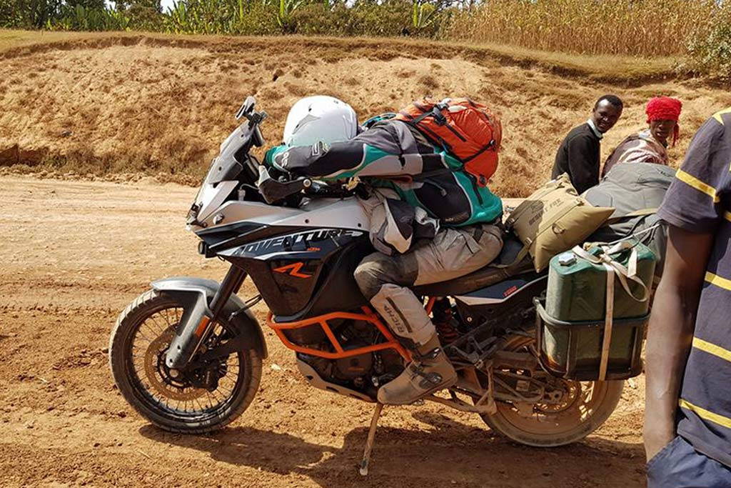 new world record set crossing africa on a ktm 1190 adventure adv pulse