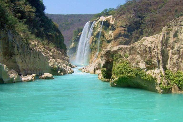 Cascada de Tamul San Luis de Potosi Mexico