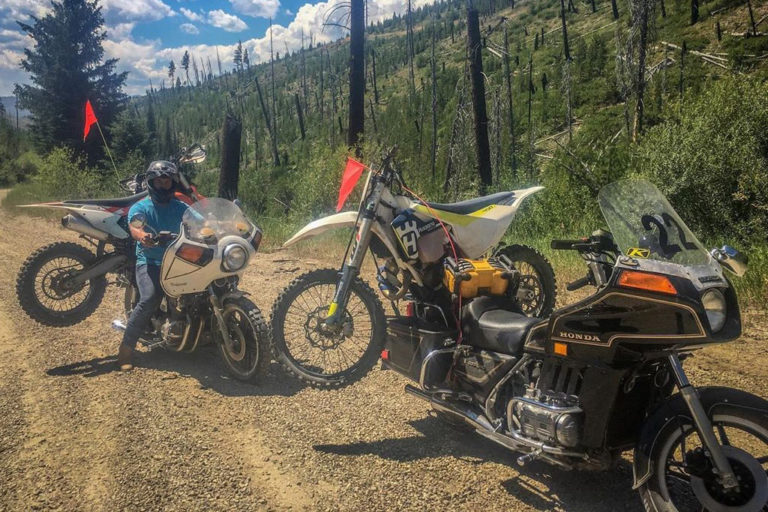 Goldwing hauling dirtbikes