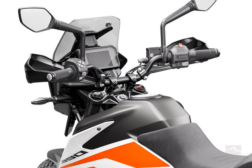 Full color TFT display on the KTM 390 Adventure