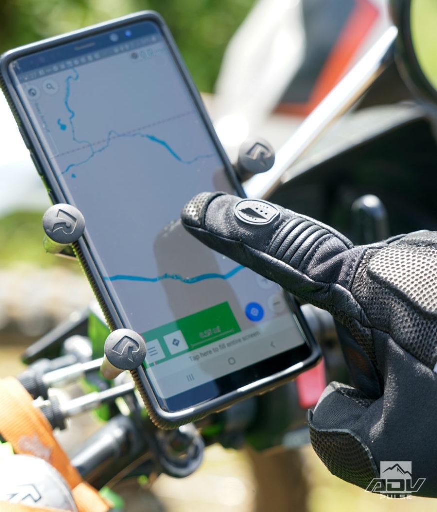 Battle Born gloves with touchscreen fingertips