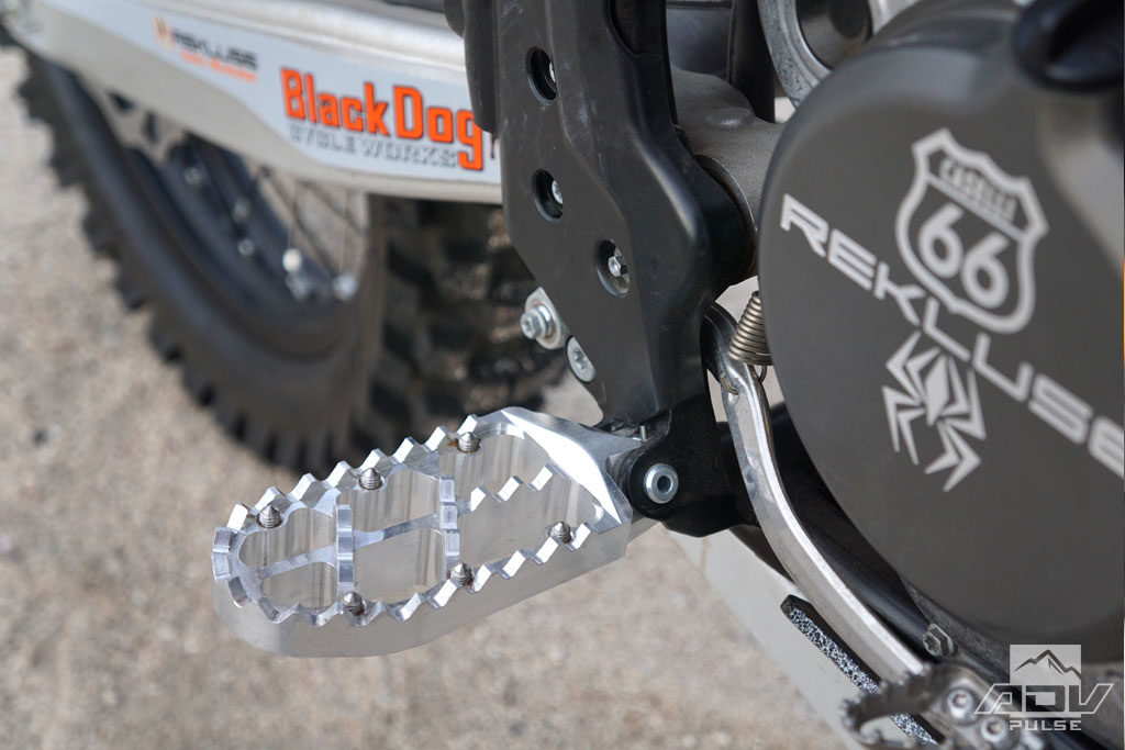 KTM 500 EXC Black Dog Traction footpegs