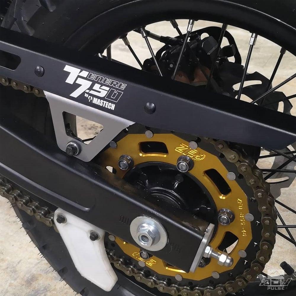 Rear wheel on the XTZ 750 Super Tenere