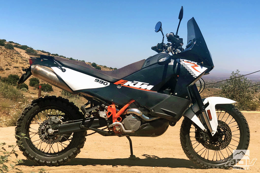 KTM 990 Adventure R with stock wheels