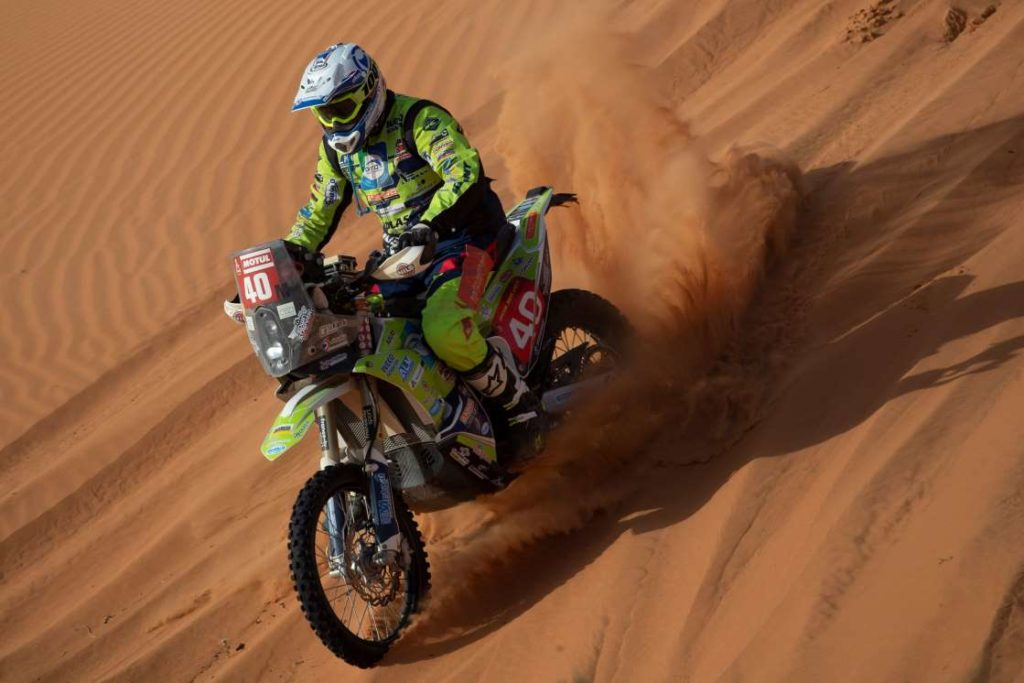 Rider Edwin Straver dies after Dakar crash