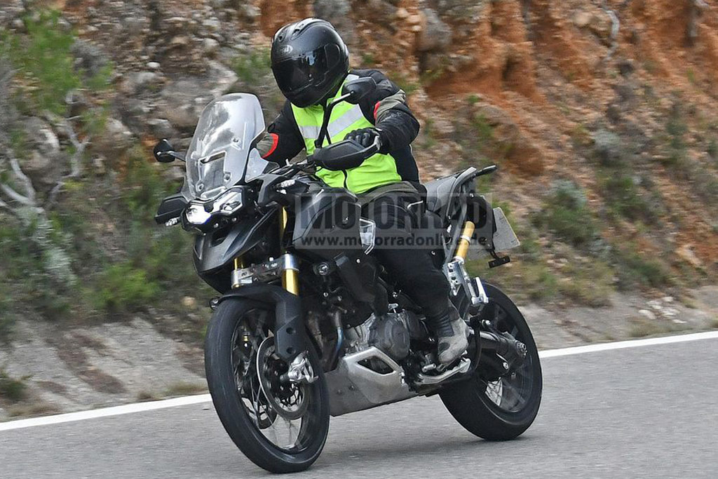 Triumph Tiger 1200 spy photos