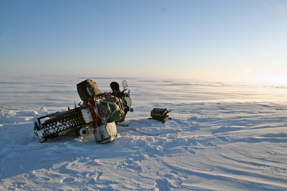 Sjaak Lucassen riding to North Pole on Yamaha R1