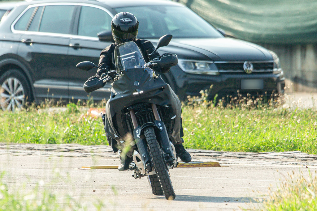 Spied photos new Yamaha Tenere 700 travel model