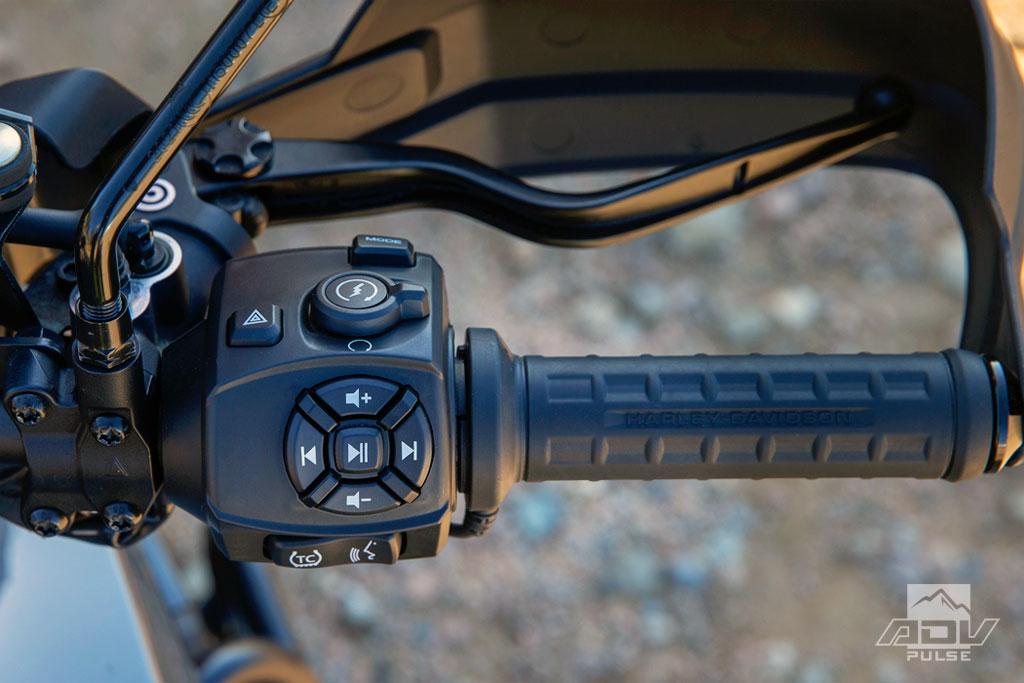 2021 Harley-Davidson Pan America handle bar switches