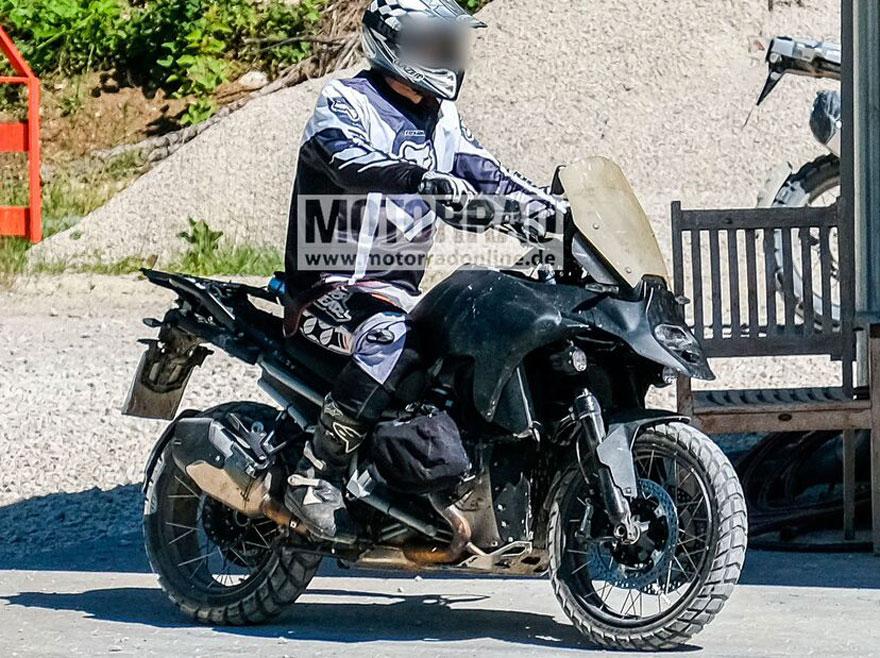 BMW R1300GS spy photos