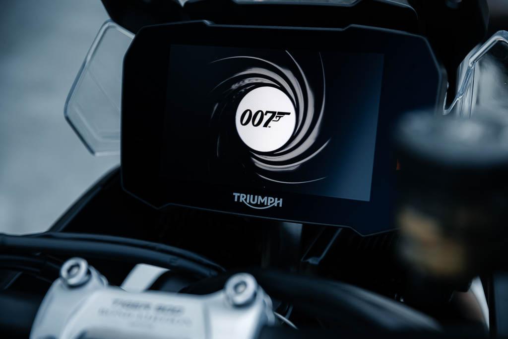 Triumph-Tiger-900-James-Bond-Edition